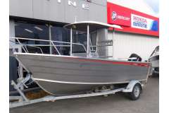 2011 Bluefin 620 Centre Console