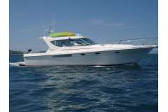 Oliver Corinthian 13.5 – a fast, modern family cruising powerboat – Launch For Sale (MAN1)