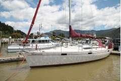 Beneteau 435 cruising sloop