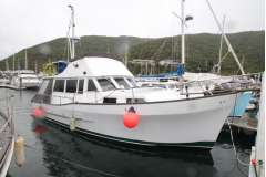 Sterling 33, Ford diesel, 5 berths, tidy condition