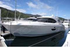 Riviera 4400 Sports Yacht