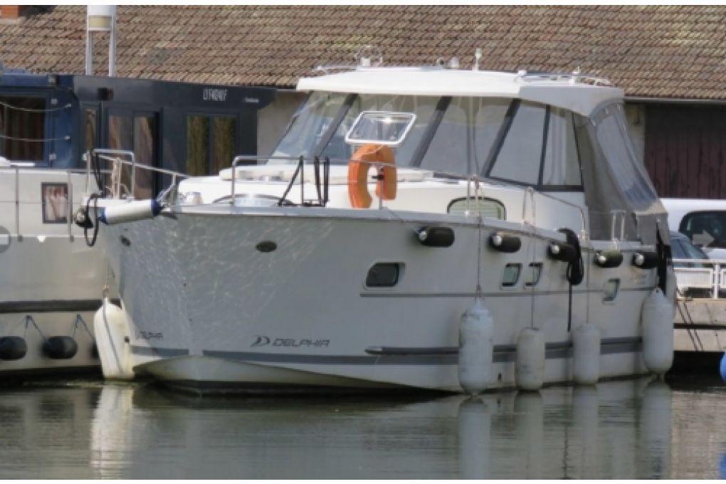 Delphia Escape Trawler